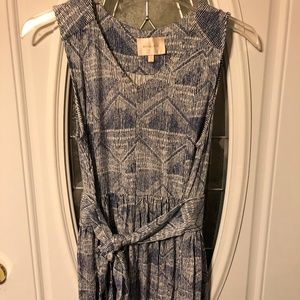 DRESS BY SKIES ARE BLUE SIZE L